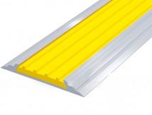 Полоса с резиновой вставкой AL46-P(ZH) желтая в алюминиевом профиле